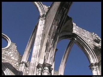 cathédrale éventréeessai