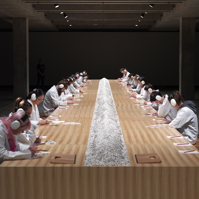 rice-and-lentil-counting-participatory-art-by-marina-abramovic-source-mona-facebookpage-via-atmonsieurremi